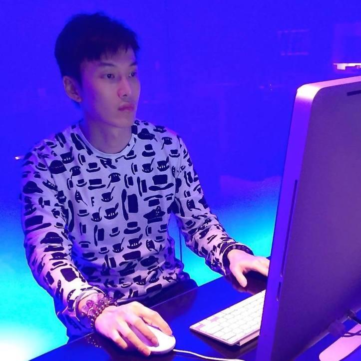 Tom Tan Laptop